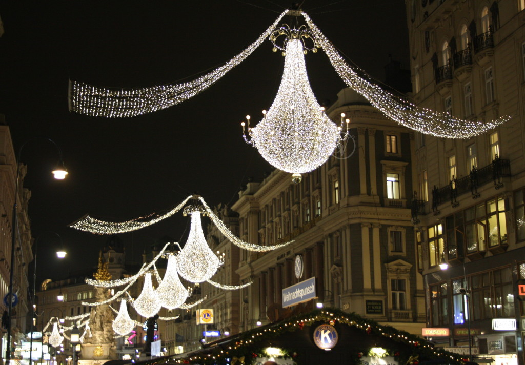 Christmas_Chandeliers_Vienna